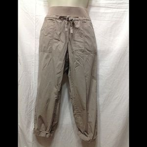 Women's Small NEW YORK & CO paper bag style pants